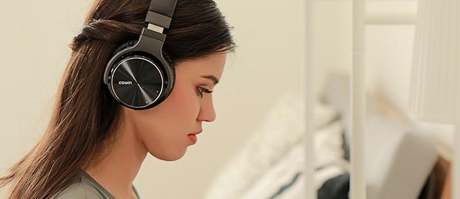 Cowin E7 Pro Noise Cancelling Bluetooth Headphones - Desktop Overview 2