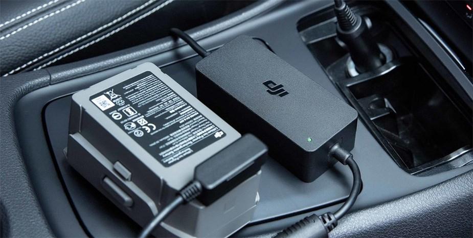 DJI Mavic 2 Car Charger - Desktop Overview 1
