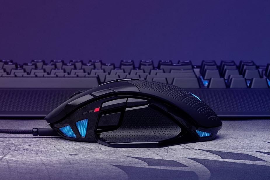 Corsair NIGHTSWORD RGB Tunable Optical Gaming Mouse - Overview 2