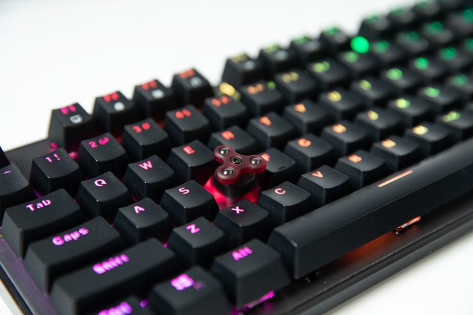 Varmilo Fidget Spinner Keycap - Racing Red - Overview 3