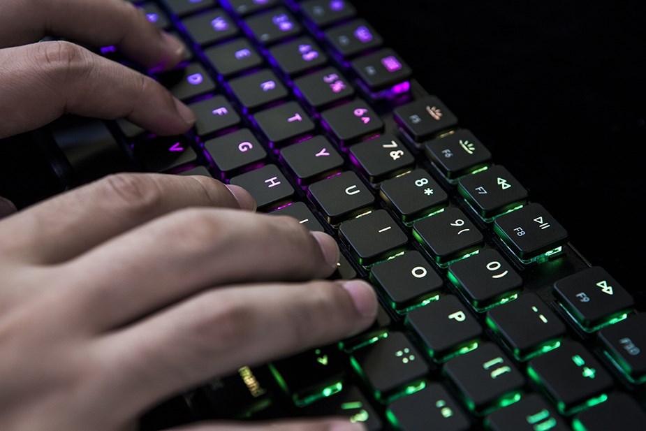 Keychron K1 TKL Wireless Bluetooth RGB Mechanical Keyboard  - Overview 4