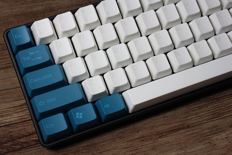 Tai-Hao MX Switch Doubleshot ABS 104-Key ANSI Keycap Set - Midnight Green/White - Overview 3