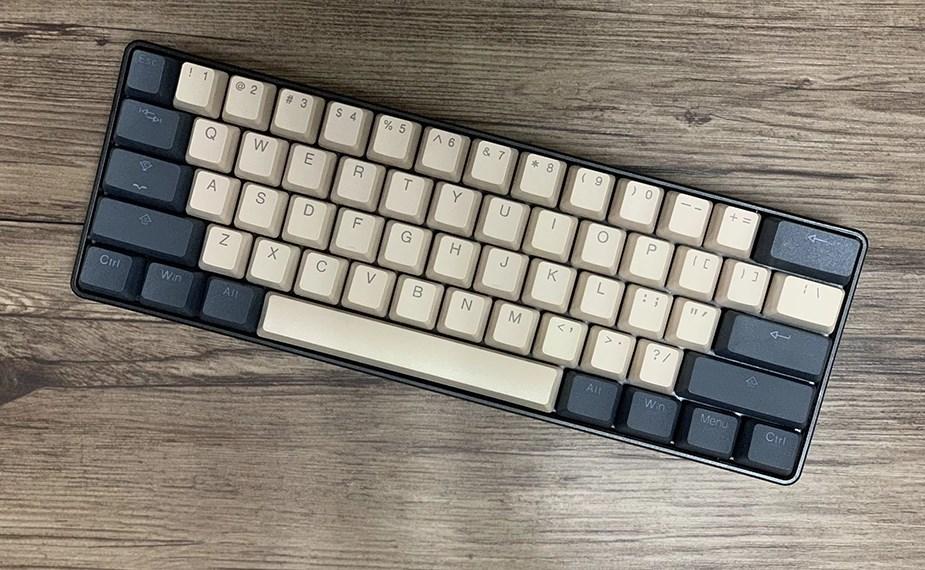 Tai-Hao MX Switch Type Doubleshot PBT 104-Key ANSI Keycap Set - Cream/Dim Grey - Overview 4
