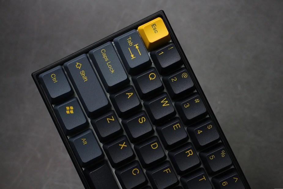 Tai-Hao MX Switch Type Doubleshot PBT 104-Key ANSI Keycap Set - Dark Night - Overview 3